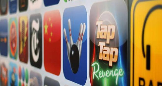 Apples AppStore har passert 100 000 tilgjengelige applikasjoner, og disse har blitt lastet ned over to milliarder ganger.