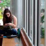 Ny studie: Mobilavhengige føler seg mer ulykkelig