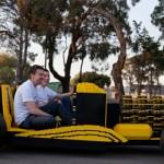 Bygde Lego-bil som går på luft