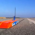Denne radiostyrte racerbilen har en toppfart på 302 km/t